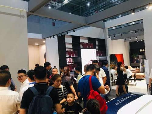 【威廉希尔中文网站客户案例】上海家博会左右沙发掀起新国潮